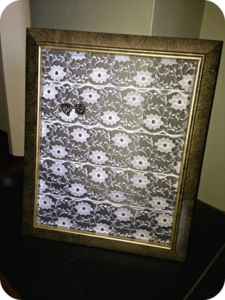 lace-earring-holder