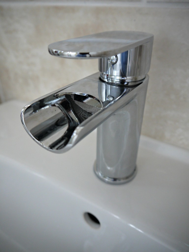 Soakology-Arte-Basin-mixer-tap-1