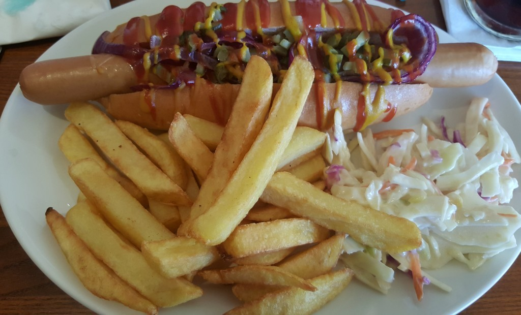 clarence-pier-brewers-fayre-classic-hotdog
