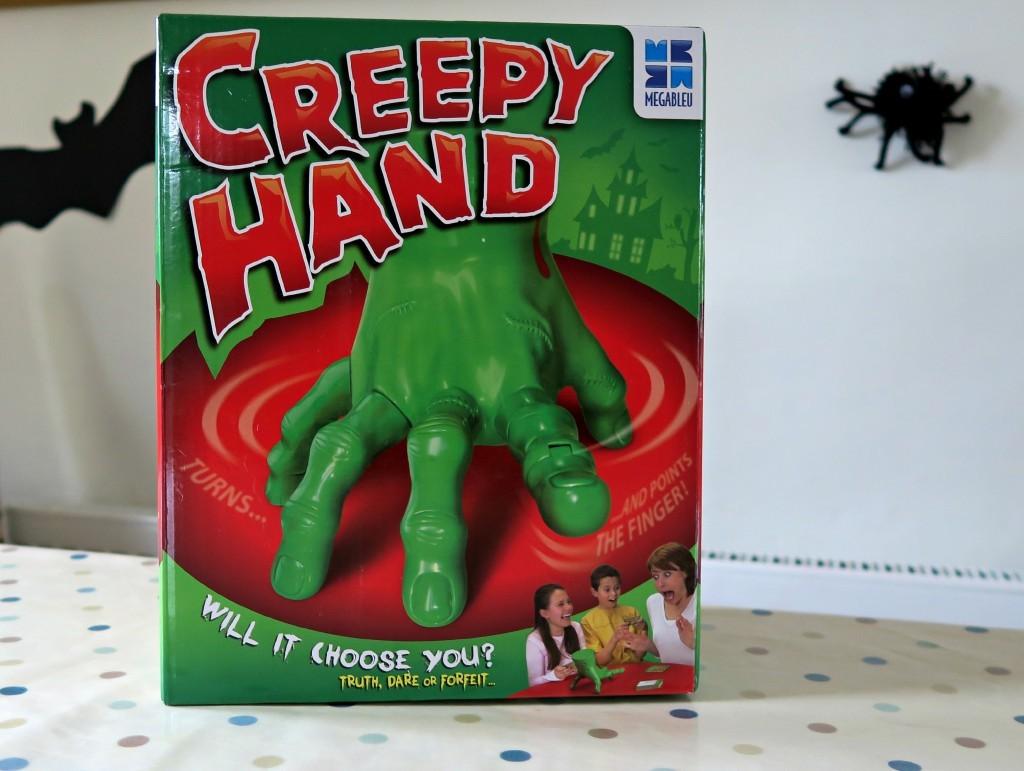 megableu-creepy-hand