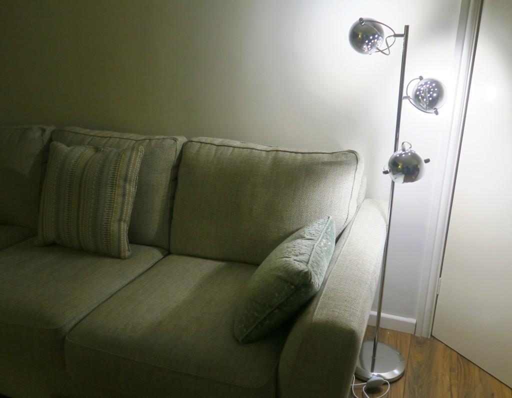 value-lights-eye-ball-lamp-1