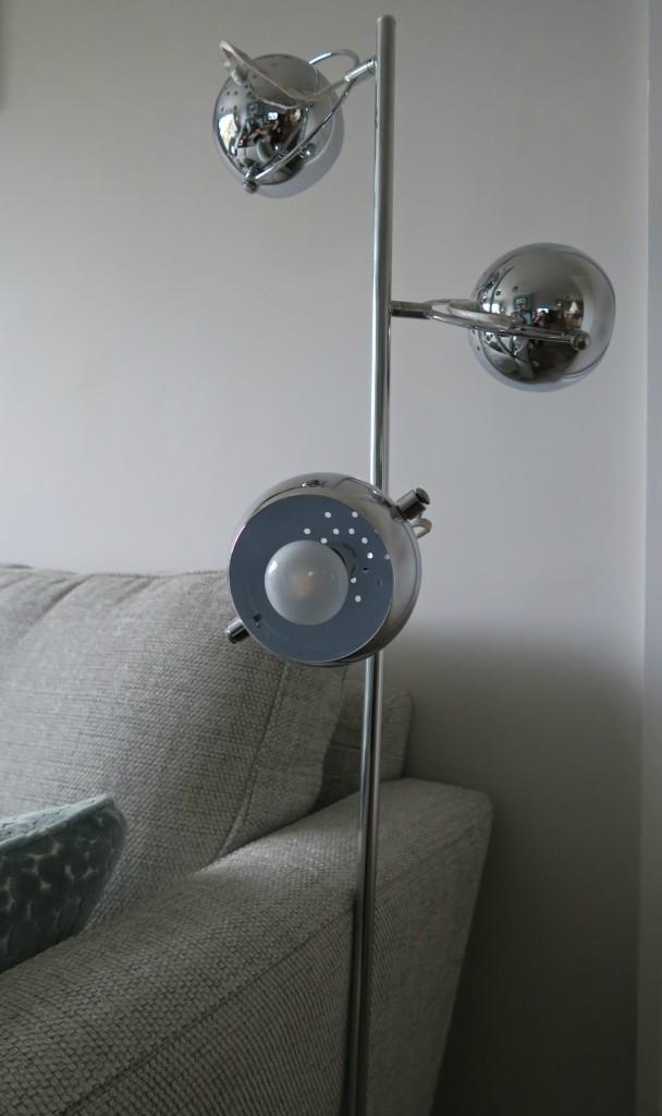 value-lights-eye-ball-lamp-4