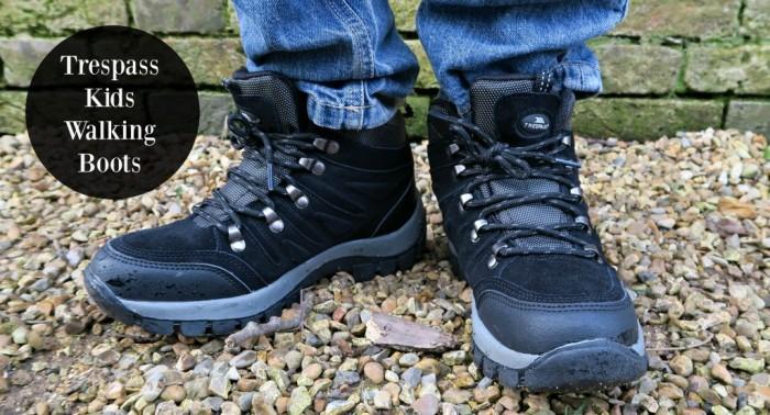 Kids trespass walking boots