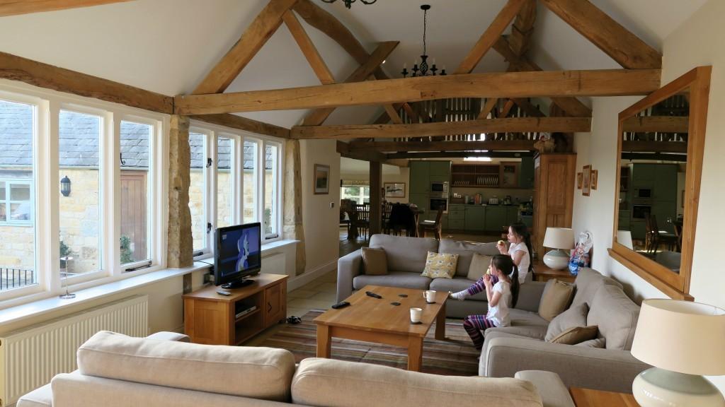 groves-barn-lounge
