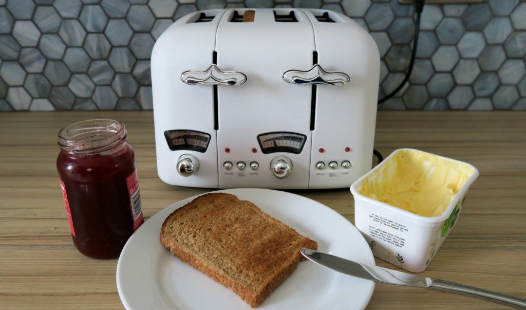Delonghi-Argento-Toaster