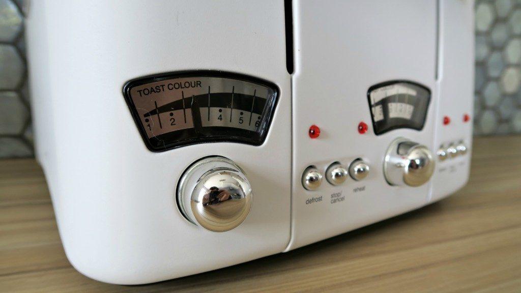 Delonghi-Argento-Toaster-2