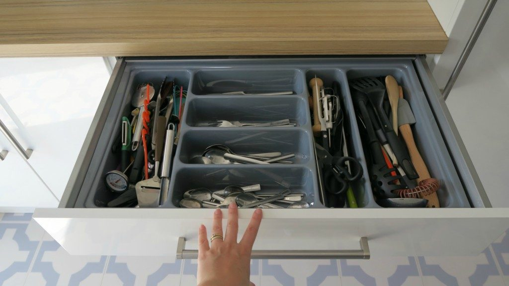 kitchen-renovation-finished-cutlery-drawer