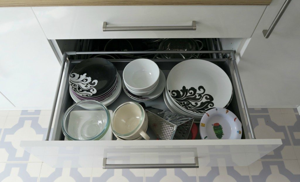 kitchen-renovation-finished-plate-drawer
