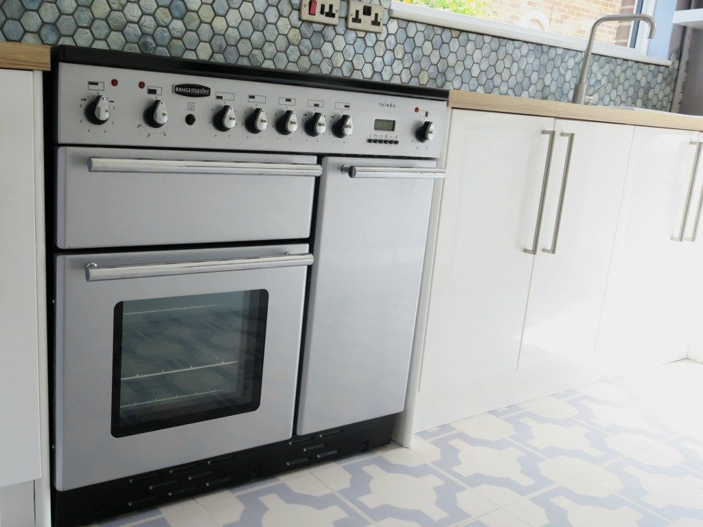 kitchen-renovation-finished-rangemaster-1