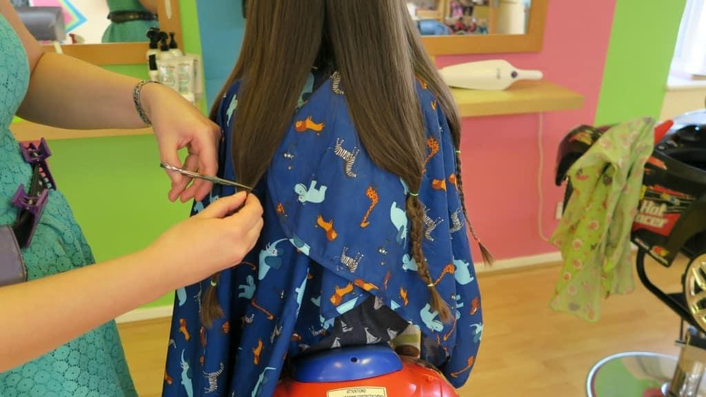 girls-hair-cutting-2