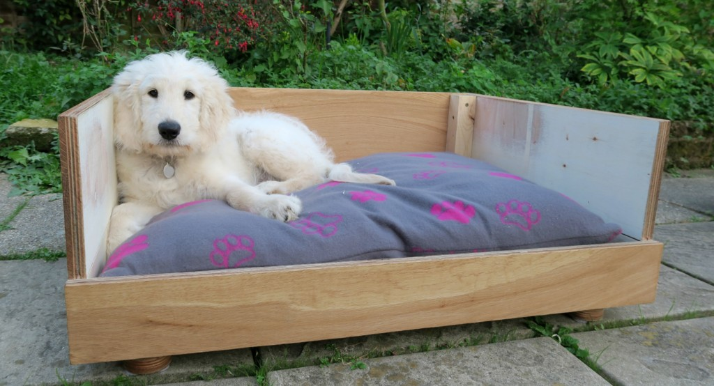 how-to-make-a-dog-bed-from-flooring-2