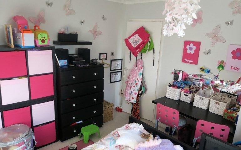 twins girls bedroom before